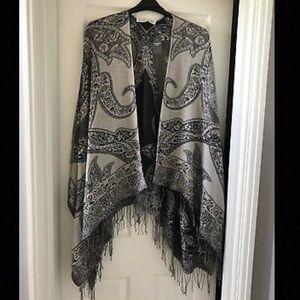 Abercrombie & Fitch Fringe Kimono Wrap Shawl